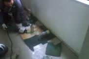 ガス配管 撤去作業 床下プラグ止め後、床上撤去