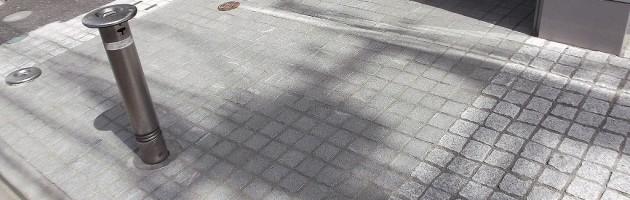 調布市5F Fマンション_エントランス施工後(タイルから御影石に張替)